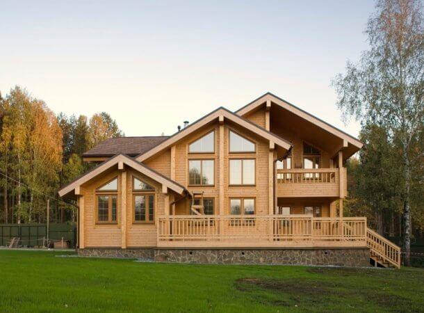 Стоимость постройки дома из бревна и бруса